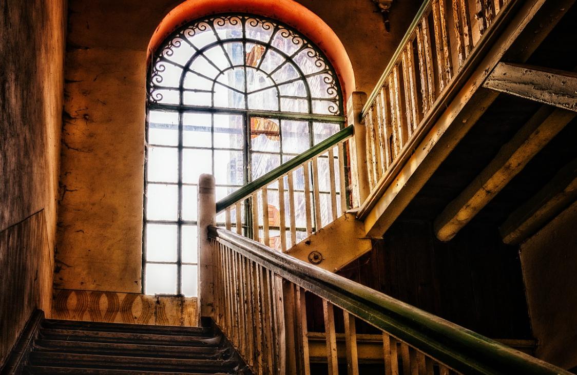 Dřevěné zábradlí na schody