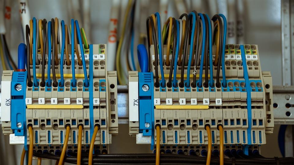 Je lepší elektrocentrála profi nebo stačí obyčejná?