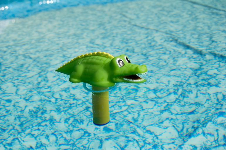 bazénový teploměr – krokodýl
