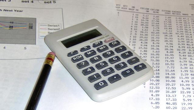 fotka účtů a výdajů, podrobného plánování