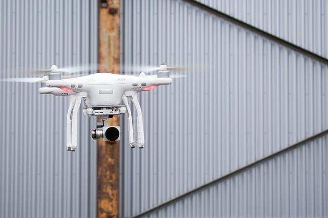 quadcopter-2174293_640